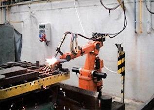 Stanowisko cięcia gazowego – robot IRp-6 na torze jezdnym (prod. PIAP)