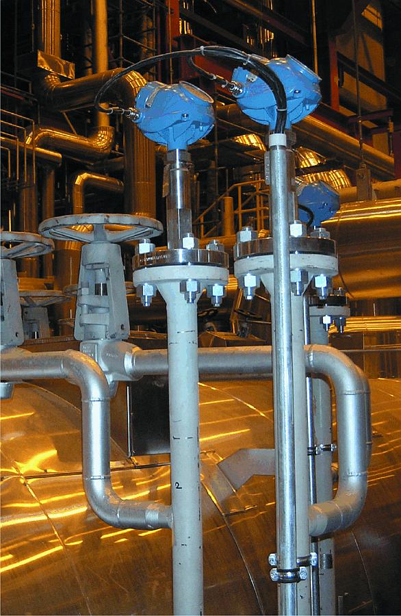 Radary falowodowe Rosemount 5300 przystosowane do pracy w obwodach bezpiecznych SIL2 – instalacja na pogrzewaczu w elektrowni w Polsce, aplikacja wysokociśnieniowa i wysokotemperaturowa